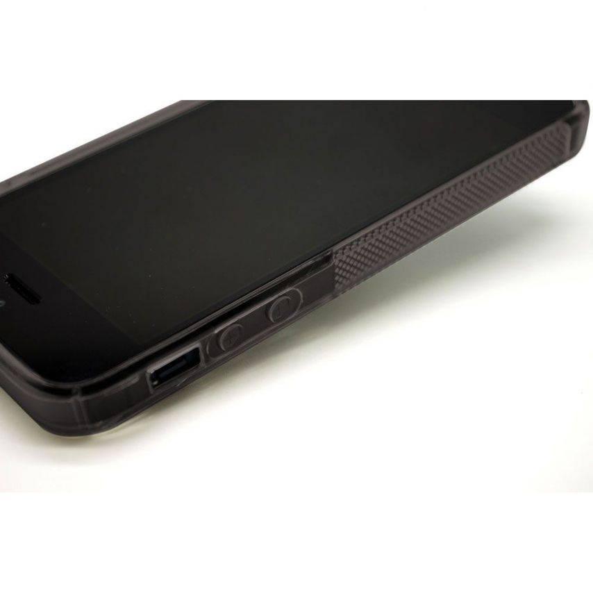 Photo réelle de Coque iPhone 5 Tpu Basics SLine Noire fumée