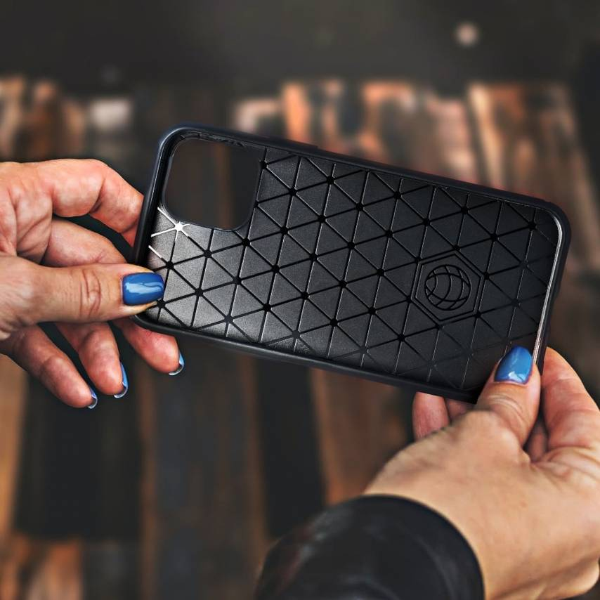 Forcell CARBON Coque pour Samsung Galaxy S10 Lite Noir