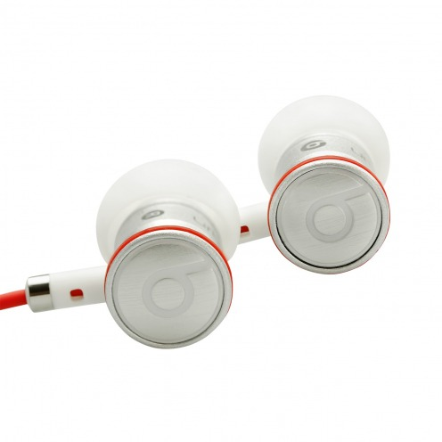 Photo réelle de Ecouteurs / Kit Piéton In Ear Beats Audio® Urbeats By Dre Blanc/Argent/Rouge